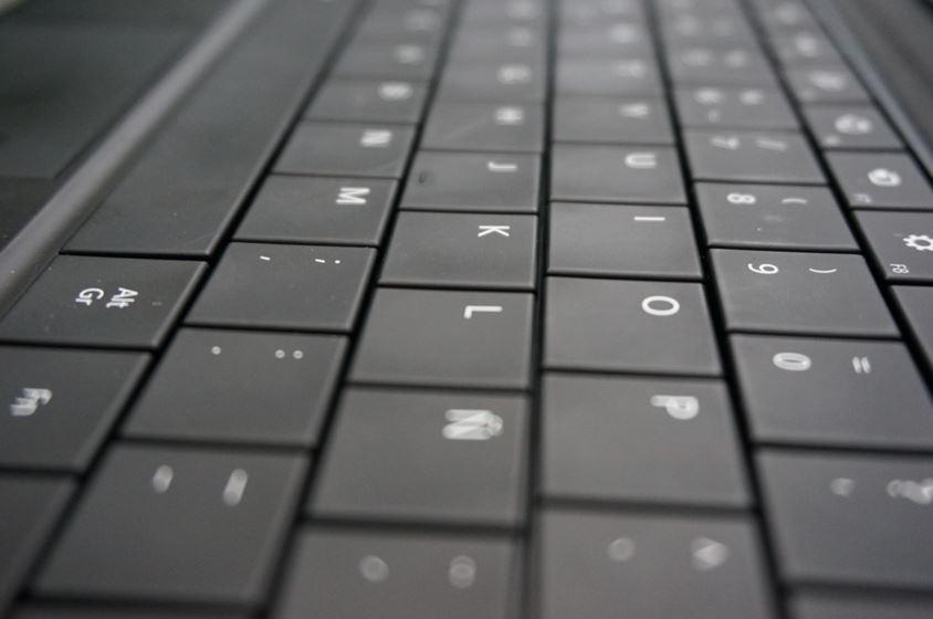 surface-pro-windows-8-black-keyboard