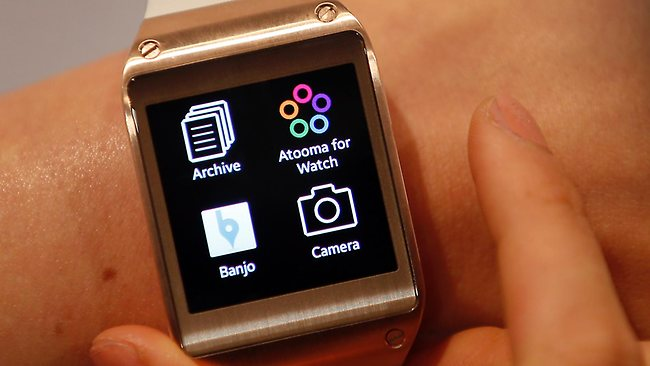 032059-samsung-galaxy-gear-smartwatch