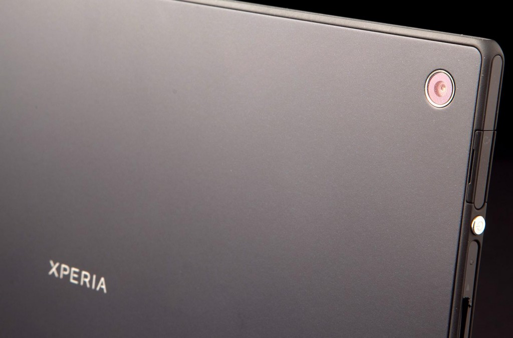 Sony-Xperia-Tablet-Z-review-camera-back-angle