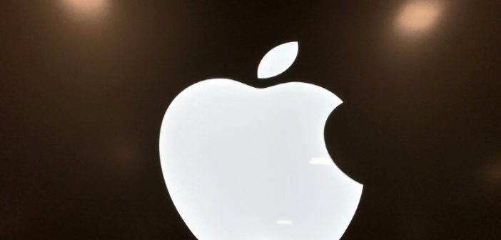 Apple Shares Drop After Mizuho Downgrade